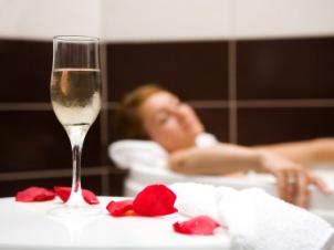 Romantic Bath Recipes & Ideas for Valentine's Day