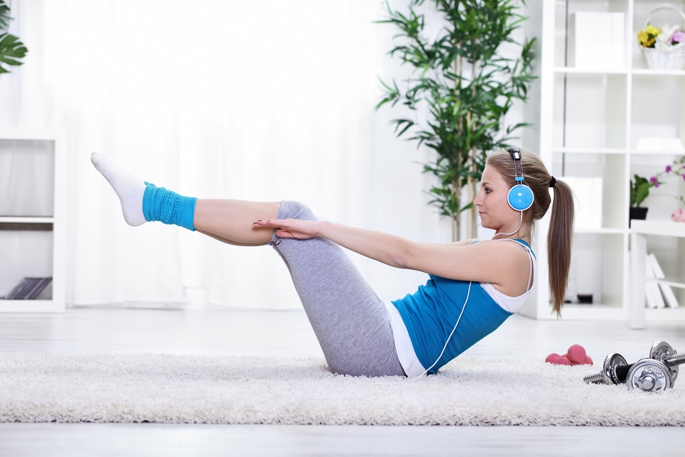 4 exercises for toned thighs for Living room exercises